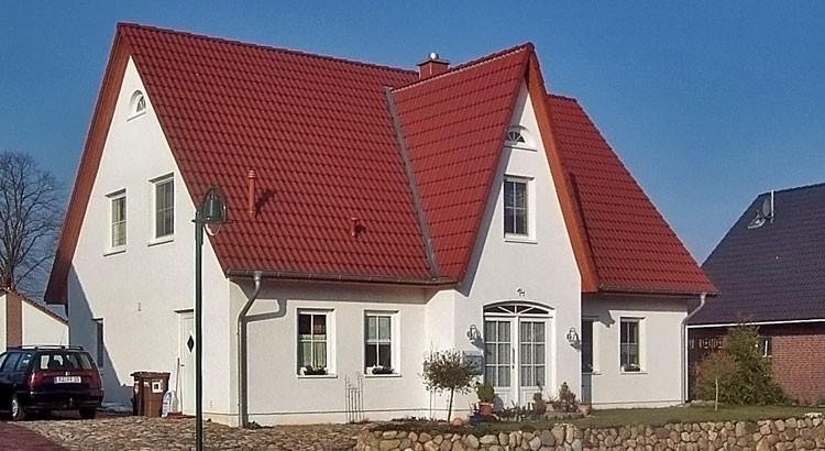 einfamilienhaus mit friesengiebel in roseburg bauunternehmen vahsholz. Black Bedroom Furniture Sets. Home Design Ideas
